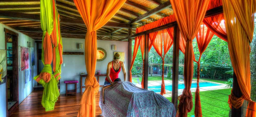 Massage in the Iguana Lodge spa.