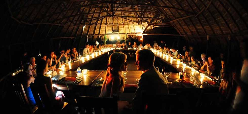 Romantic dining at Iguana Lodge