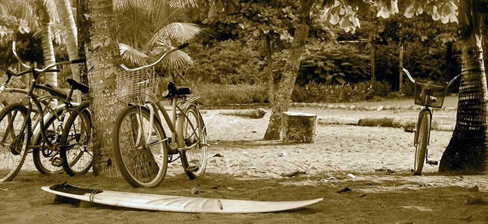 beach-bicycles-surfing-costa-rica-surfboard