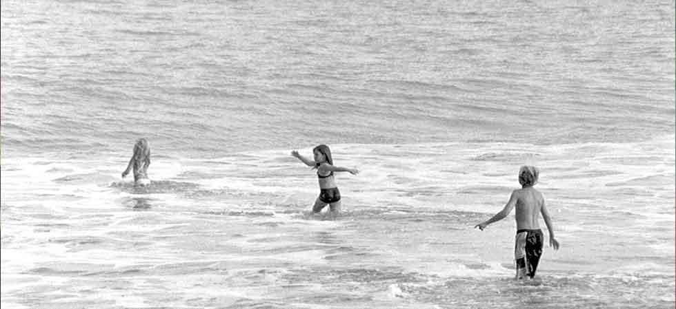 kids-beach-costa-rica